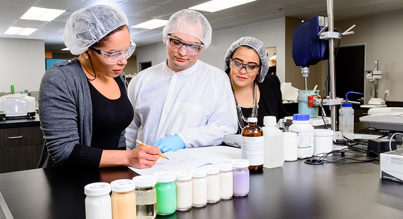 cosmetics in chemistry 4 long island university (us) - ms in pharmaceutics - the graduate program in cosmetic science provides an appropriate blend of course work in the areas of chemistry.